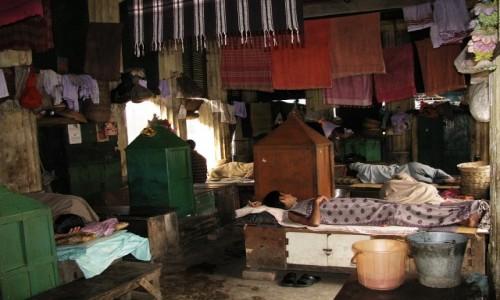 Zdjecie INDIE / Bengal Zachodni / Kalkuta / Babu Ghat