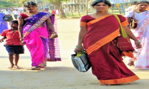 Zdjęcie INDIE / ... / Indie / Haut couture. Z  gracją