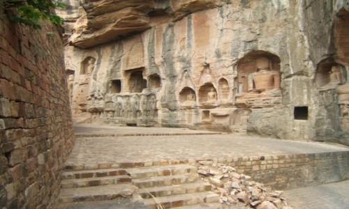 INDIE / Madhya Pradeś / Gwalijar / Rzeźby thirthankarów