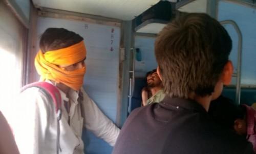 Zdjecie INDIE / Madhya Pradeś / W drodze do Khajuraho / Towarzysze podróży