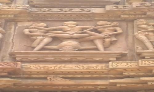 Zdjecie INDIE / Madhya Pradeś / Khajuraho / Świątynne rzeźby