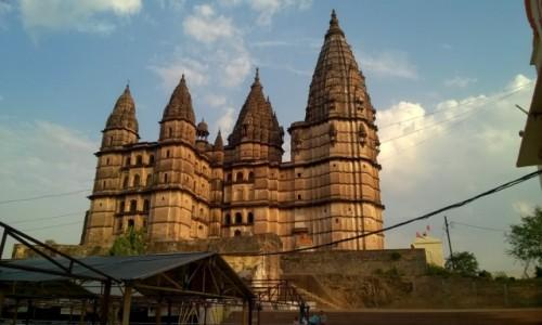 Zdjecie INDIE / Madhya Pradeś / Orcha / Świątynia Ćaturbhudża w Orchy