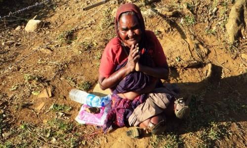 Zdjęcie INDIE / Kerala / gdzieś na trasie / prosząca o wsparcie