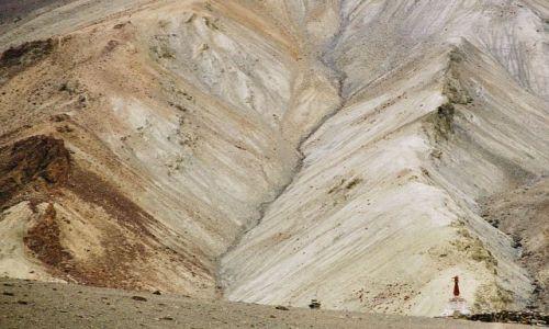 Zdjecie INDIE / Ladakh- J&K- Indie Północne / zejście z Parsila do Photoksar / Photoksar