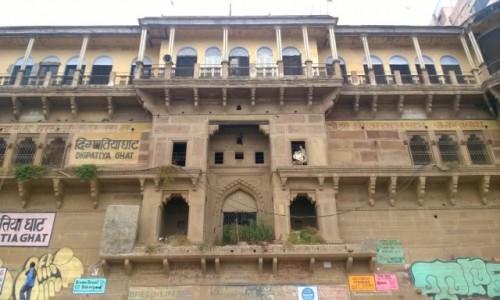 Zdjecie INDIE / Uttar Pradeś / Varanasi / Digpatiya Mahal na Digpatiya Ghat