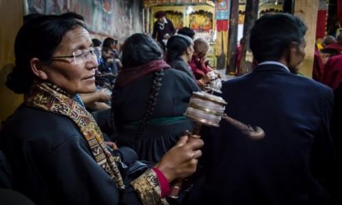 INDIE / Ladakh / Thiksey Monastery / skupienie...