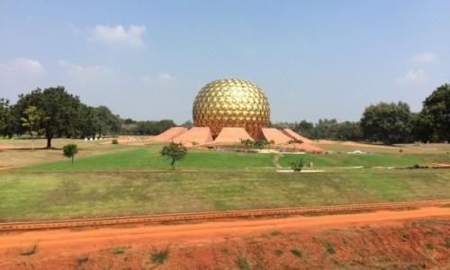 Zdjecie INDIE / stan Tamil Nadu, południowe Indie / Auroville /  Matrimandir...