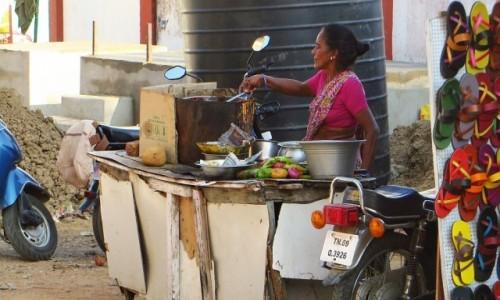 Zdjęcie INDIE / Tamilnadu / Mahabalipuram / stragan