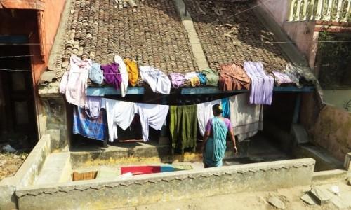 Zdjęcie INDIE / Tamilnadu / okolice Mahabalipuram / domowe pranie