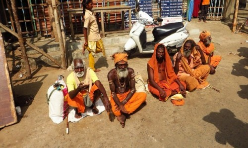 Zdjęcie INDIE / Tamilnadu / Tiruvannamalaj / ulice Tiruvannamalaj