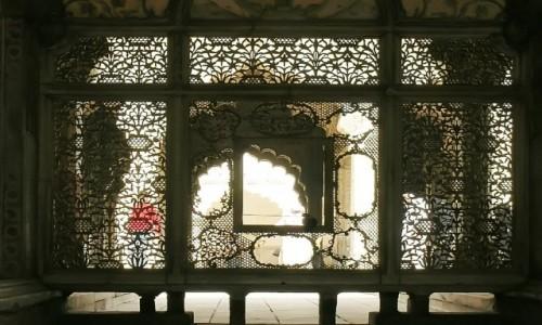 Zdjecie INDIE / Delhi / Stare Delhi - Fort / koronkowa robota w marmurze