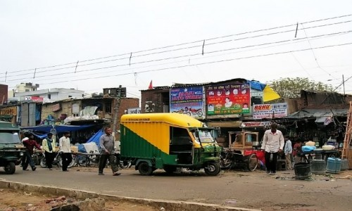 Zdjęcie INDIE / Delhi / południowe Delhi / na ulicy