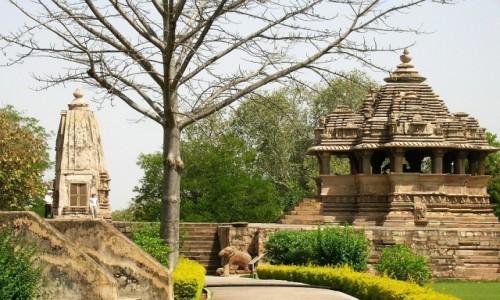 INDIE / Madhja Pradesh / Khajuraho / świątynie grupa zachodnia