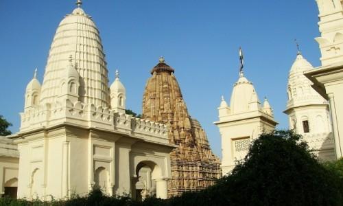 Zdjęcie INDIE / Madhja Pradesh / Khajuraho / świątynie dżinijskie - grupa wschodnia