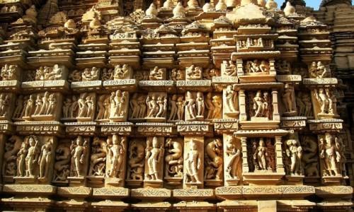 Zdjecie INDIE / Madhja Pradesh / Khajuraho / świątynia Adinatha - detal elewacji
