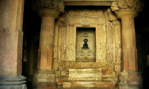 Zdjecie INDIE / Madhja Pradesh / Khajuraho / świątynia Adinatha - sanktuarium