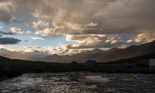 Zdjecie INDIE / Ladakh / Nimaling / magiczny zachód