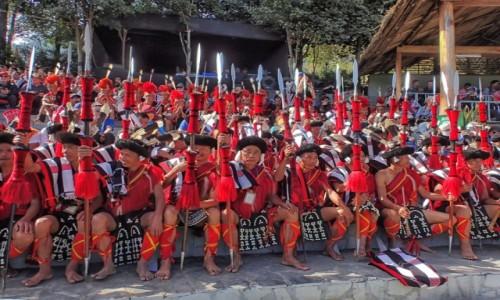 Zdjecie INDIE / Nagaland / Kohima, Kisama / Festiwal HORNBILL, na widowni