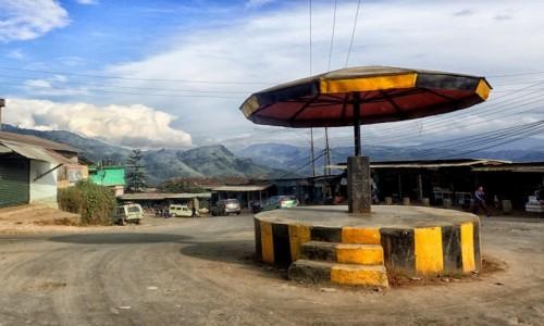 Zdjecie INDIE / Nagaland / Kohima / Takie sobie rondo jak na stolicę przystało ;)