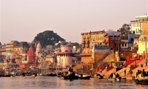 Zdjecie INDIE / Waranasi / Ghaty nad Gangesem / Ghaty o poranku