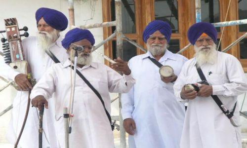 Zdjęcie INDIE / Punjab / Amritsar / Folk band sikh:) _ golden temple