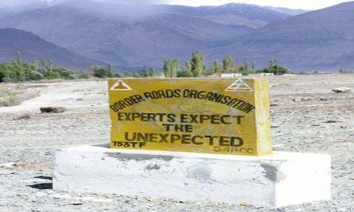 Zdjecie INDIE / Ladakh / dolina Nubry(Diskit i Hunder) / Bądź ekspertem na drodze:) przewiduj nieprzewidywalne