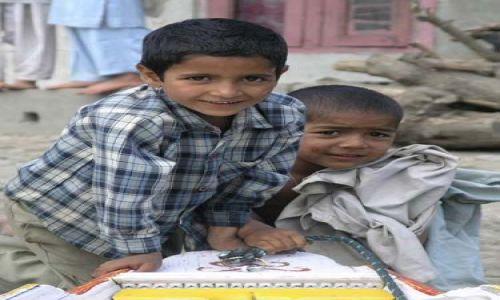 Zdjęcie INDIE / kashmir / Srinagar  / kashmere boys