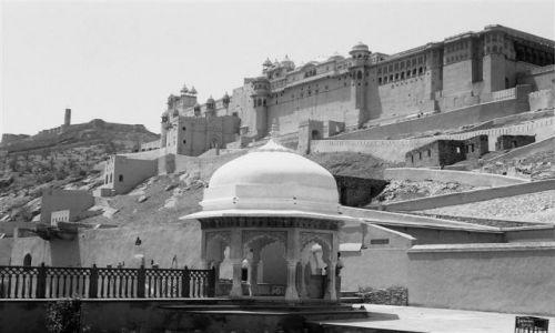 Zdjecie INDIE / Rad�astan / Jajphur/ Fort Amber / Indie inaczej -