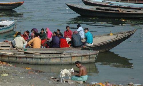 Zdjecie INDIE / Uttar Pradesh / Varanasi / Czyścioch