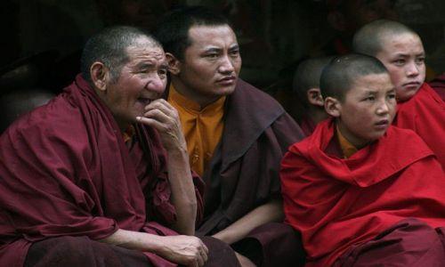 Zdjecie INDIE / Ladakh / Hemis / wciąż pada...
