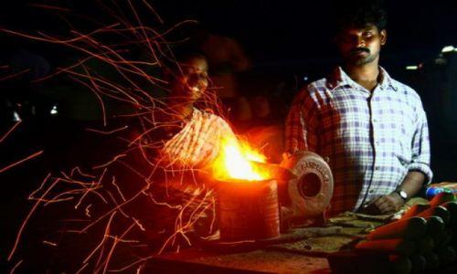 Zdjecie INDIE / Madras  / południe / Madras - chennai - nocne życie na plaży