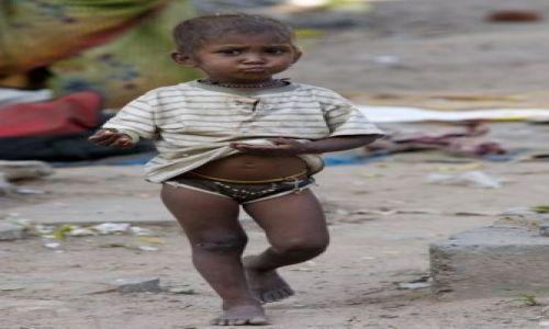 Zdjecie INDIE / brak / Jaipur / Maly chlopiec - zycie na ulicy...