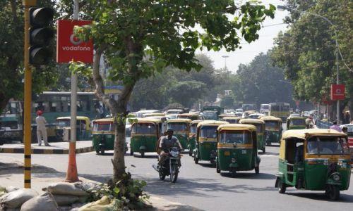 Zdjęcie INDIE / narodowe terytorium stołeczne / Dehli / Przed szczytem komunikacyjnym