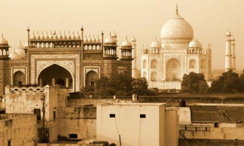 Zdjecie INDIE / Uttar Pradesh / Agra / Tadż Mahal z dachu hotelu