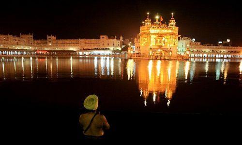 Zdjęcie INDIE / Orissa / Plaża / Amritsar nocą