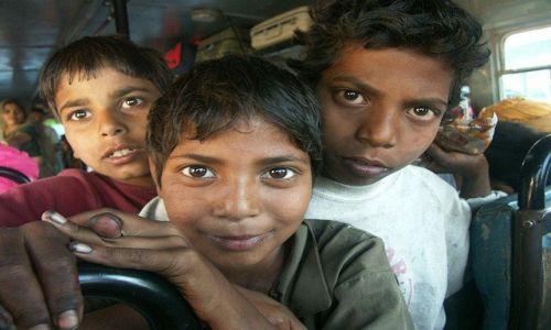 Zdjecie INDIE / Radżastan / Ranakpur / W autobusie