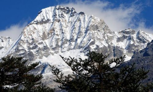 Zdjecie INDIE / sikkim / rejon Kangdzendzongi / Trekking w Sikkimie oferuje przepiękne widoki na wspaniałe ściany