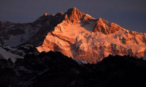 INDIE / sikkim / rejon Kangdzendzongi / 12.Kangdzendzonga o świcie