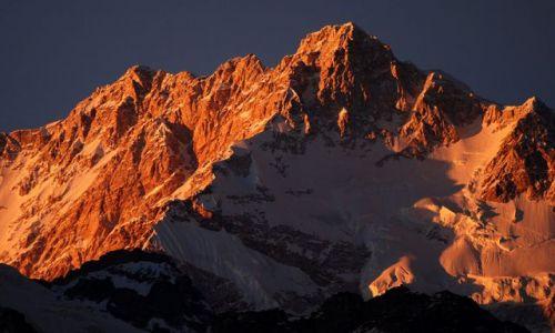 INDIE / sikkim / rejon Kangdzendzongi / Kangdzendzonga o zachodzie słońca