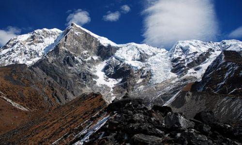 Zdjęcie INDIE / sikkim / rejon Kangdzendzongi / W drodze nad święte jezioro Samiti Lake – po lewej Pandim 6691 m