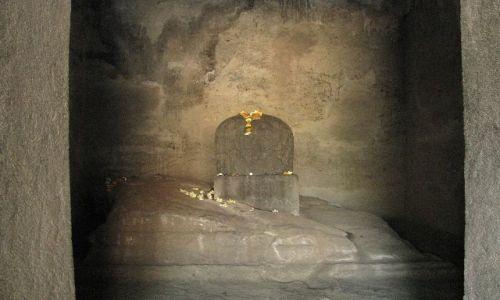 INDIE / Maharastra / wyspa Elephanta / świątynia Śiwy