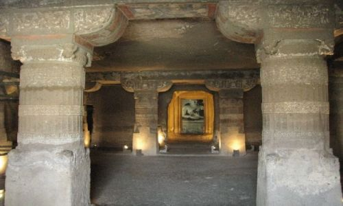 INDIE / Maharastra / Ajanta / grota - vihara