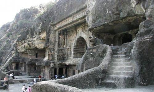 INDIE / Maharastra / Ajanta / świątynie skalne