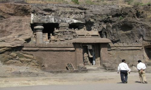 INDIE / Maharastra / Ellora / świątynia dżinijska