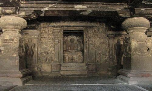 INDIE / Maharastra / Ellora / swiątynia dżinijska