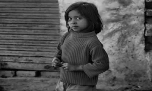 Zdjęcie INDIE / Rajastan / w drodze do Jodhpur / dziewczynka
