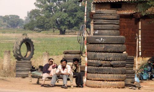 Zdjecie INDIE / Indie / w drodze.. / w oczekiwaniu na nastepny samochód