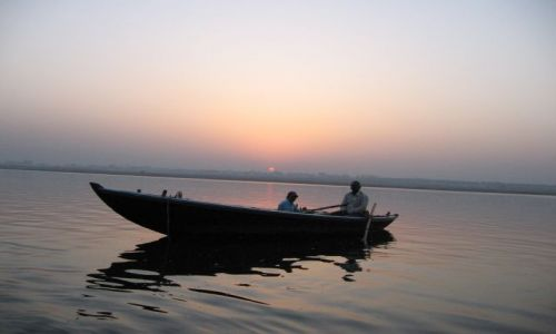 Zdjecie INDIE / brak / Varanasi / Wschód słońca nad Gangesem