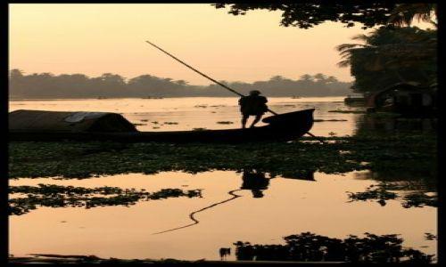 Zdjecie INDIE / brak / Backwaters / do pracy skoro swit