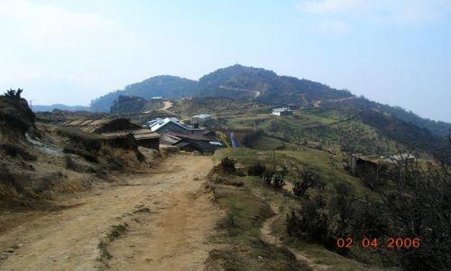 INDIE / Bengal Zachodni / trekking Sandakphu / wioska Kalipokhari